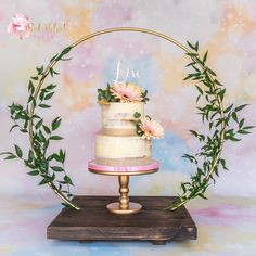 Excited to share this item from my shop: Cake Hoop Stand for Birthdays and celebrations. Hoop and base sold separately - made with reclaimed Rustic timber. Wedding Rentals, Wedding Venues, Fall Wedding, Rustic Wedding, Cake Frame, Cake Pedestal, Cake Sizes, Baby Boy First Birthday, Amazing Wedding Cakes