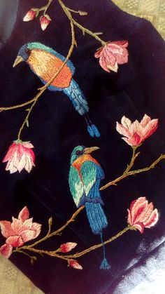 Not the birds: the flowers and branches are gorgeous. Hand Work Embroidery, Bird Embroidery, Hand Embroidery Patterns, Beaded Embroidery, Embroidery Stitches, Machine Embroidery, Embroidery Designs, Thread Painting, Fabric Painting