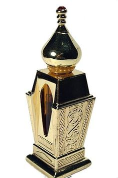 Mumtaz by Al Haramain Perfumes is a Woody Floral Musk fragrance for women and men. The fragrance features floral notes, cedar, juniper, sandalwood, musk, amber, myrtle, spicy notes and resins.