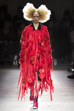 Comme des Garcons - Spring/Summer 2015 Ready-To-Wear - PFW (Vogue.com UK)