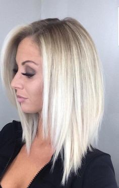 """😍 😍 Related posts: Obsessed Balayage Hair Color Trends & Shades for the year 2018 NYC's Vanessa Castro ( says she's """"obsessed with making hair Vanessa Castro ( from NYC says she is """"obsessed with doing hair – … Medium Hair Cuts, Medium Hair Styles, Short Hair Styles, Medium Length Hair With Layers Straight, Shoulder Length Straight Hair, Thin Straight Hair, Medium Layered Hair, Medium Long Hair, Mid Length Hair"""