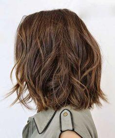 Wavy-Short-to-Medium-Blunt-Bob-Hair.jpg 500×601 pixels