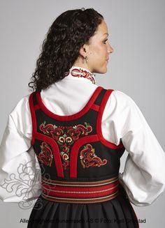 Øst-Telemarksbunad til dame - BunadRosen AS Norwegian Clothing, Scandinavian Folk Art, Fancy Dress, That Look, Inspiration, Clothes, Collection, Dresses, Design