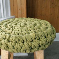 crochet stool cover tutorial!! by miranda