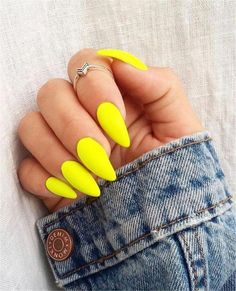 60 Trendy Yellow Nail Art Designs To Make You Stunning In Summer - Page 4 of 60 Trendy Yellow Nail Art Designs To Make You Stunning In Summer;Acrylic Or Gel Nails; French Or Coffin Nails; Matte Or Glitter Nails; Yellow N # Neon Nails, Holographic Nails, My Nails, Glitter Nails, Bright Colored Nails, Gradient Nails, Pink Nails, Yellow Nails Design, Yellow Nail Art