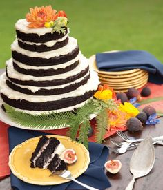 Picnic wedding | Oregon Bride magazine casual wedding cake