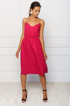 2kstyle.com    #fuschiadress #mididress #summer #dress #spaghettistrap #style #fashion #streetstyle