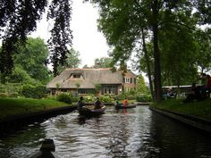 Giethoorn is a Dutch village in the Netherlands with the attraction that there are no motorable roads, just a few bike paths and canals