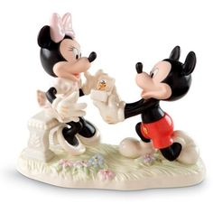 Lenox Ivory Mickey  Minnie Dream Proposal Figurine ($119) ❤ liked on Polyvore featuring home, home decor, ivory, mickey minnie figurines, gold home decor, lenox, romantic home decor and gold home accessories