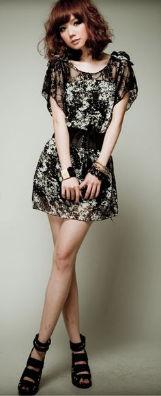 Stylish Lace Chiffon Splicing Short Sleeve Dress - BuyTrends