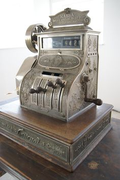 old cash register!