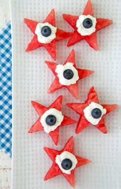 Watermelon Star Bites recipe from Weelicious.com #fourthofjuly
