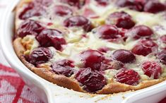 Quick and easy desserts like cherry clafoutis will are perfect for the holiday season. Aga Recipes, Sweet Recipes, Baking Recipes, Köstliche Desserts, Delicious Desserts, Dessert Recipes, Clafoutis Recipes, Cherry Clafoutis, German Baking