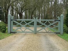 big gate Don't like curved pieces on top in middle but rest is good – front yard fence ideas Farm Gate, Farm Fence, Fence Gate, Fencing, Garden Gate, Front Gates, Front Yard Fence, Entrance Gates, Farm Entrance