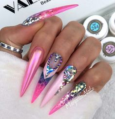 In seek out some nail designs and ideas for the nails? Here is our list of 10 must-try coffin acrylic nails for trendy women. Rhinestone Nails, Bling Nails, Swag Nails, Pink Bling, Fabulous Nails, Gorgeous Nails, Pretty Nails, Pink Stiletto Nails, Sculpted Gel Nails