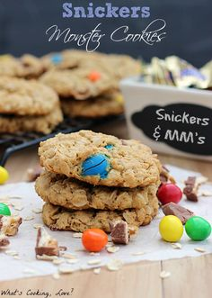 Snickers Monster Cookies and Bloody Hand Halloween Punch - Whats Cooking Love? Oatmeal Cookie Recipes, Best Cookie Recipes, Cookie Desserts, Dessert Recipes, Oatmeal Cookies, Snicker Cookies, Baking Recipes, Xmas Cookies, Baking Ideas