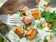 Kapros-joghurtos krumplisaláta tofukockákkal | Kertkonyha - Vegetáriánus receptek képekkel Superfood, Tofu, Meat, Chicken, Cubs