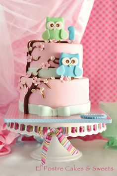 Owls cake and matching giant cupcake