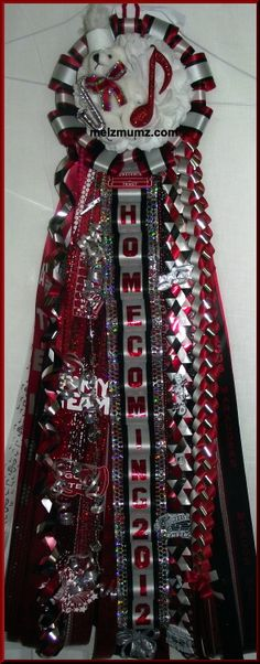 Basic Single Homecoming Mum