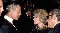 Tonight Show host Johnny Carson greets comedienne Joan Rivers and her Husband Edgar Rosenberg at the party after taping the anniversay Here's Johnny, Johnny Carson, Late Night Talks, Live Television, Thanks For The Memories, Tonight Show, Joan Rivers, Abc News, Comedians
