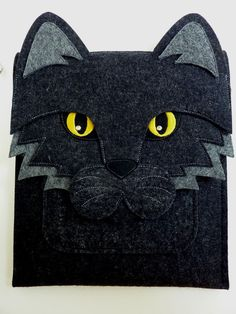 iPad case - Cat in anthracite felt - Made to order. $78.00