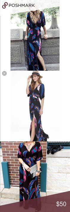 EXPRESS FEATHER PRINT KIMONO SLEEVE MAXI DRESS NWOT.  WOMENS EXPRESS FEATHER PRINT KIMONO SLEEVE MAXI DRESS  SIZE IS X SMALL    Step into another decade with this bold feather print maxi dress. Details including the high, peaked waistline, kimono sleeves, piped v-neck and sexy front left slit give this stretchy, substantial look a perfect dress choice for Summer!   V-neck Short kimono sleeves Banding around waist Maxi length, left front slit Rayon/Spandex Machine wash Express Dresses Maxi