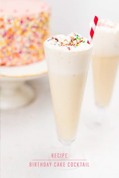 With bourbon, a touch of almond and lemon, and a fluffy blend of egg whites and cream, this creamy birthday cake cocktail is the perfect boozy indulgence! Easy Drink Recipes, Cocktail Recipes, Easy Desserts, Delicious Desserts, Dessert Recipes, Yummy Food, Tasty, Birthday Cake Drink, 30th Birthday