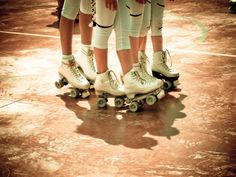 From the blog http://pinksuedeshoe.com/2011/01/17/in-love-with-roller-skates/#comment-6565