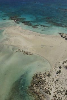 Discover Elafonisos in Greece - The Island with the only Caribbean Beach in Europe - Guidora Most Beautiful Beaches, Beautiful Places In The World, Santorini, Ontario, Beach Activities, Best Western, Greek Life, Small Island, Strand