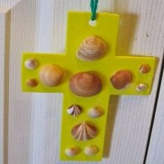 This seashell cross is very easy to make and would be a great craft for children and for seniors in nursing homes.  My mother is in an Alzheimer...