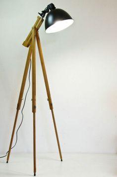 Scheinwerfer-Stehlampe-Tripod-Lampe-Retro-Design-Stehleuchte-im-Stil-70-er
