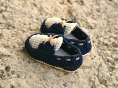 Most Beautiful Baby Boots Crochet Baby Boots, Booties Crochet, Crochet Baby Clothes, Crochet For Boys, Crochet Shoes, Crochet Slippers, Baby Shoes Pattern, Shoe Pattern, Baby Boy Booties