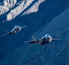 Lightning II F35 Lightning, Stealth Aircraft, Us Military Aircraft, Metal Birds, Guam, Seals, Ranger, Weapons, Fighter Jets
