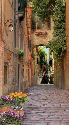 Italy Travel Inspiration - Cobblestone street ~ Venice, Italy