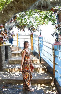 Koneswaram Temple is a Hindu Temple dedicated to Lord Shiva located in Trincomalee, Eastern Sri Lanka. How to get to the Koneswaram Temple Sri Lanka, Temple, Short Sleeve Dresses, Fashion, Moda, Fashion Styles, Temples, Fasion, Fashion Illustrations