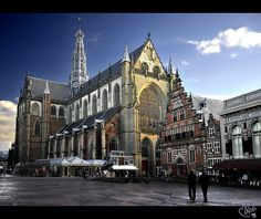 Grote Kerk (Great Church) Haarlem in the Netherlands, it is really worth a visit - aka St. Amsterdam Holidays, Haarlem Netherlands, Kingdom Of The Netherlands, South Holland, Living In Europe, What A Wonderful World, Rotterdam, Wonders Of The World, Dutch