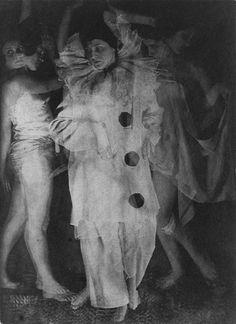 Zivago (Russian) :: Dance Study with Movement, 1925–28 | Platinum print | source: The Metropolitan Museum of Art