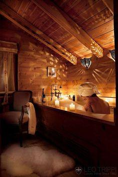 Rustic candlelit bath. Romantic!