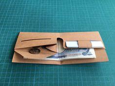 切って作る折財布です。 | 紙でつくったものたち