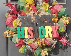 Diy Fall Wreath, Wreath Crafts, Wreath Ideas, Diy Crafts, Cross Wreath, Flag Wreath, Diy Kwanzaa Decorations, Initial Door Wreaths, Etsy Wreaths