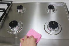우리 집 만능박사 에탄올 활용하는 15가지 방법 Deep Cleaning, Cleaning Hacks, 1000 Life Hacks, Housekeeping, Stove, Helpful Hints, Diy And Crafts, Household, Kitchen Appliances
