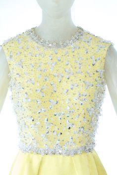 A Rare 1966 Valentino Haute Couture Gown Withe Embroidered Bodice image 2 Valentino Gowns, Valentino Couture, Valentino Garavani, 1960s Fashion, Vintage Fashion, Vintage Style, High Fashion, Women's Fashion, Italian Chic