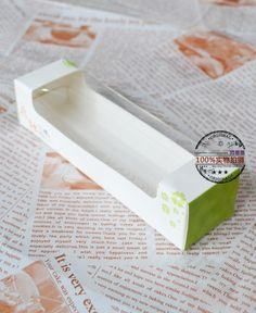 Cheap gift iphone, Buy Quality box copper directly from China gift boxes malaysia Suppliers: DIY New 50 Sets OF Perspective Window Macaron Cardboard Box Gift Package Container Macaroon Box, French Macaroons, Cheap Gifts, Eclairs, Cute Packaging, Card Templates, Marshmallow, Macarons, Party Supplies