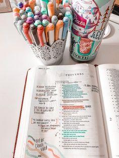 Bible Study Notebook, Bible Study Journal, Scripture Study, Bible Art, Cute Bibles, Bibel Journal, Bible Doodling, Bible Notes, Bible Encouragement