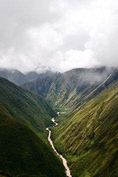 Urrubamba River    ::    FACING NORTH FROM THE INCA RUINS OF Wiñawayna.    By Alexander_Cox (Cusco, PERU)
