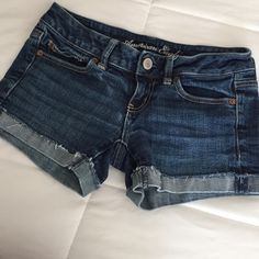 HP 4/16 American Eagle shorts FINAL PRICE In absolute great condition and at a great price! Super cute and perfect with any outfit! American Eagle Outfitters Jeans