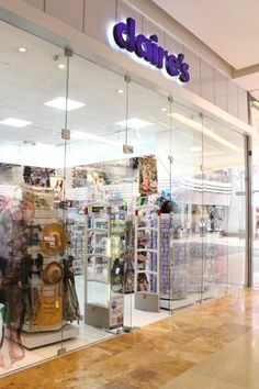 Claires, Oakland Mall 1er nivel.