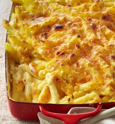 25 Healthier Versions of Your Favorite Classic Comfort Foods Baked Mac And Cheese Recipe, Bake Mac And Cheese, Cheese Recipes, Macaroni And Cheese, Cooking Recipes, Mac N Cheese Bake, Mac Recipe, Pasta Recipes, Pasta Dishes