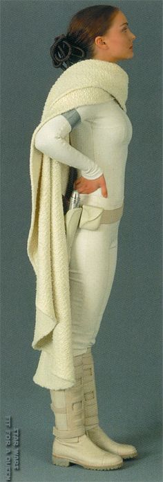 Star Wars Padme Amidala Arena Outfit With Cloak - Side view