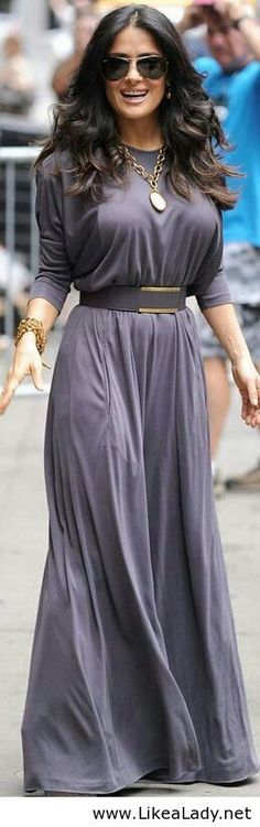 Smart tip for short people: Salma chose a maxi that covered her shoes, alonging her figure